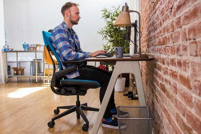 میز و صندلی ارگونومی